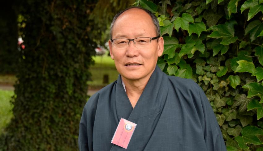 Una medida del bienestar de Bhután, entrevista con Dasho Karma Ura